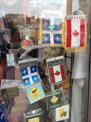 Canada et la défense de l'empire bannieres du québec et du canada