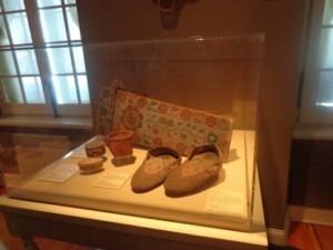 Premier Canadien : Pantoufles de la Nouvelle-France