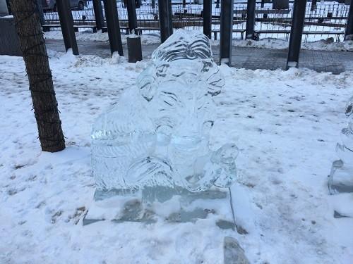 Mammouth de glace, une fête dans la station touristique Duchesny. . Photo : Histoire-du-Quebec.ca