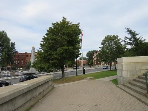 Ville de Trois-Rivière, Place Pierre-Boucher